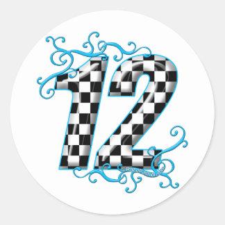 El competir con auto azul número 12 etiquetas redondas
