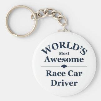 El conductor del coche de carreras más impresionan llavero redondo tipo chapa
