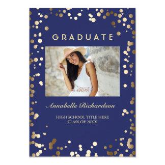 El confeti del oro puntea la graduación elegante invitación 12,7 x 17,8 cm