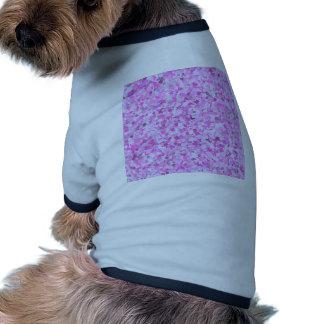 El confeti rosado de la pintada de la plantilla ropa para mascota