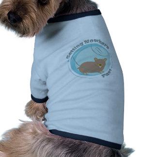 El conseguir en ninguna parte camiseta con mangas para perro