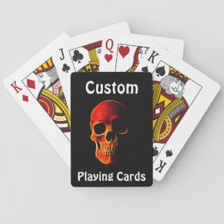El cráneo del póker de las llamas carda la barajas de cartas