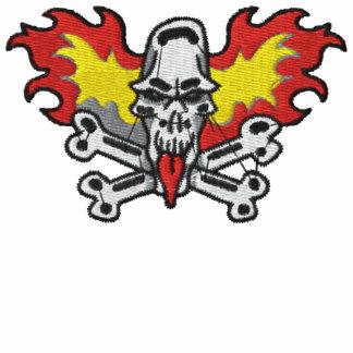 El cráneo llameante y la bandera pirata bordaron l