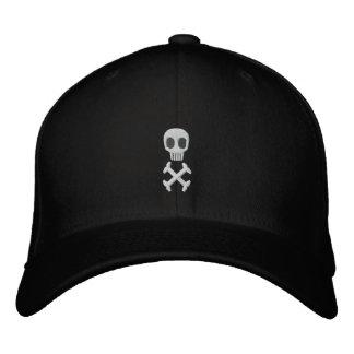 El cráneo y la bandera pirata bordaron el gorra gorra de béisbol bordada