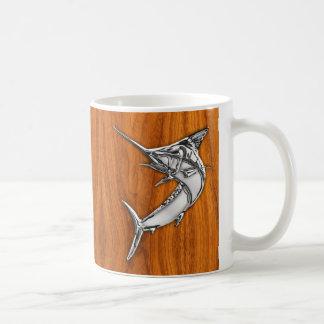 El cromo tiene gusto de la aguja en la decoración taza de café