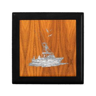 El cromo tiene gusto del barco de pesca en la joyero cuadrado pequeño