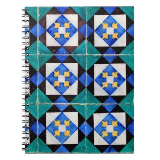 El cuadrado portugués teja el cuaderno
