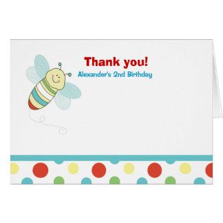 El cumpleaños de la abeja del insecto del meneo le tarjeta pequeña