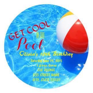 El cumpleaños de la fiesta en la piscina invita invitación 13,3 cm x 13,3cm