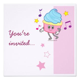El cumpleaños de la magdalena del baile invita invitaciones personalizada