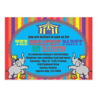 El cumpleaños del circo invita anuncios personalizados