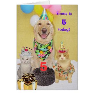 El cumpleaños del niño adaptable del año tarjeta