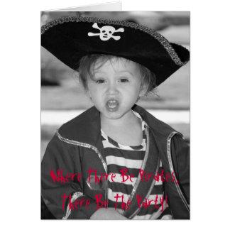 El cumpleaños del pirata invita tarjeta de felicitación