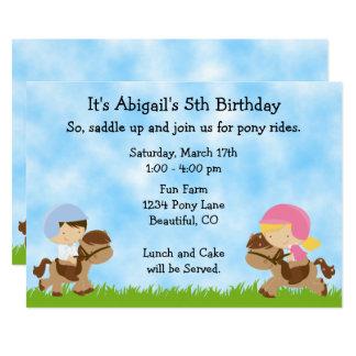 El cumpleaños lindo del caballo de los muchachos invitación 12,7 x 17,8 cm