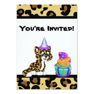 El cumpleaños lindo del leopardo del estampado de invitación 12,7 x 17,8 cm