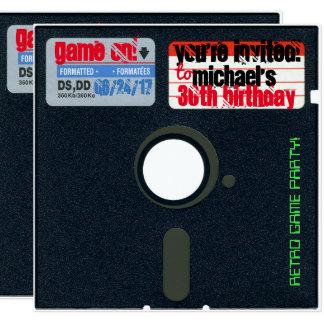 El cumpleaños retro de encargo del juego invita a invitación 13,3 cm x 13,3cm