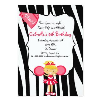 El cumpleaños rojo rayado cebra de la animadora invitación 12,7 x 17,8 cm