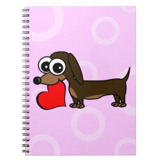 El Dachshund lindo tiene mi corazón - círculos ros Cuadernos