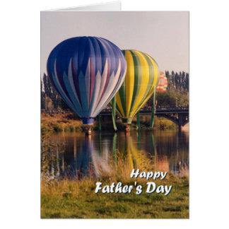 El día de padre, chapoteo de los globos del aire tarjeta de felicitación