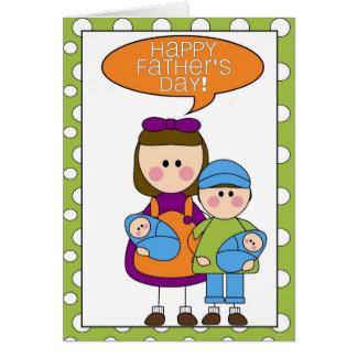 el día de padre feliz (gemelos del muchacho/del tarjeta de felicitación