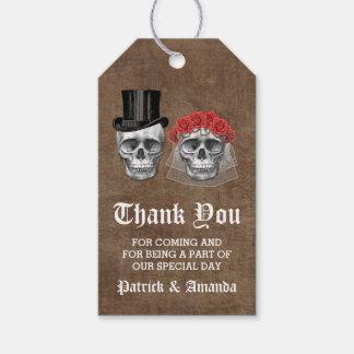 El día del boda muerto de los pares del cráneo le etiquetas para regalos