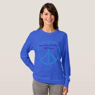 El día internacional azul de las mujeres de camiseta