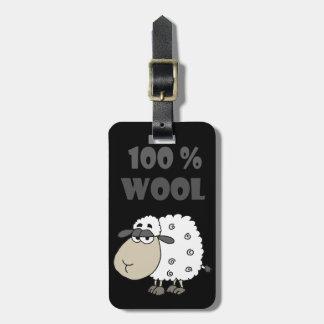 El dibujo animado divertido de las ovejas es el etiqueta para maletas