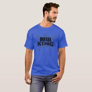 El diesel es camisa del azul del rey