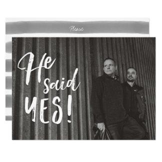 Él dijo reserva gay de la foto del compromiso del invitación 12,7 x 17,8 cm