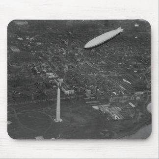"""El dirigible """"USS Los Angeles"""" ZR3 de los E.E.U.U. Alfombrilla De Ratón"""