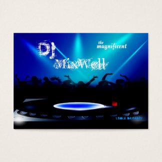 El disc jockey DJ va de fiesta la tarjeta de