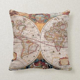 El diseño antiguo del mapa de Viejo Mundo del vint Cojin