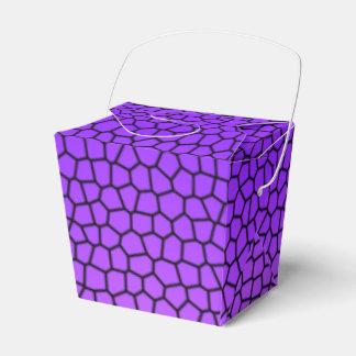 El diseño púrpura de la serpiente saca la caja