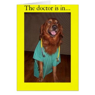 El doctor está en… tarjeta de felicitación