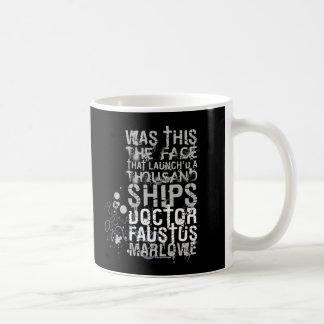 El doctor Faustus Quote (B&W) Taza De Café