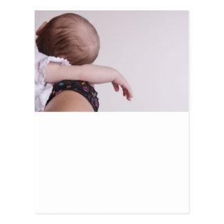 El dormir recién nacido postal