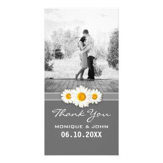 El dulce gris simple de las margaritas del boda de plantilla para tarjeta de foto