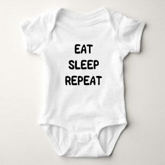 El dulce lindo come el texto de la repetición del body para bebé