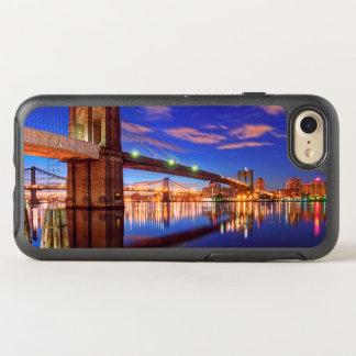 El East River, puente de Brooklyn, Manhattan Funda OtterBox Symmetry Para iPhone 7