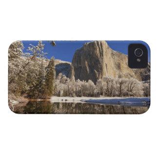 El EL Capitan refleja en el río de Merced adentro iPhone 4 Cárcasa