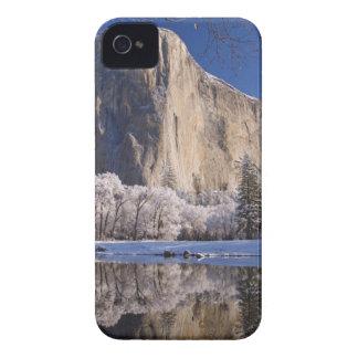 El EL Capitan refleja en el río de Merced en 2 iPhone 4 Cárcasas