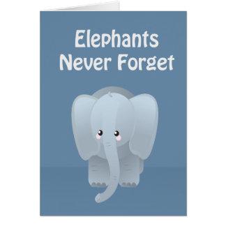 El elefante del cumpleaños nunca olvida el saludo tarjeta de felicitación