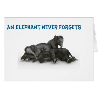 El elefante nunca olvida a la familia 5x7 de la tarjeta de felicitación