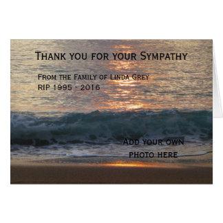 El entierro personalizado le agradece las tarjetas