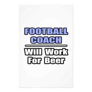 El entrenador de fútbol… funcionará para la cervez papeleria de diseño