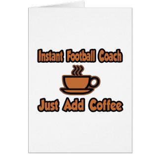 El entrenador de fútbol inmediato… apenas añade el tarjetas