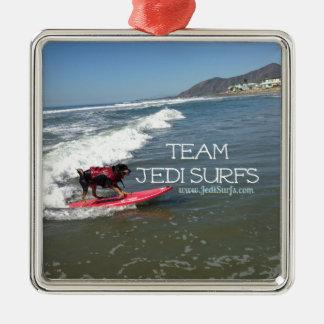 El equipo Jedi practica surf la línea Adorno Navideño Cuadrado De Metal
