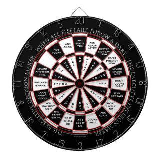 El estilo ejecutivo de la bola de la magia 8 del tablero de dardos