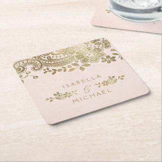 El falso oro se ruboriza boda elegante del cordón posavasos cuadrado de papel