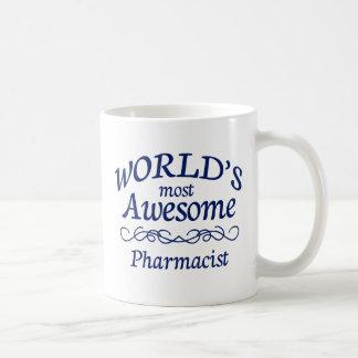El farmacéutico más impresionante del mundo taza básica blanca